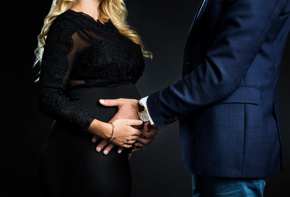 Gravidfotografering med mann.